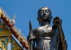 Буддийские статуи на тайских висках Стоковое Фото