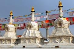Буддийские stupas около монастыря Dazhao в Hohhot, Внутренней Монголии Стоковые Изображения RF