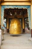 Буддийский колокол в виске стоковое фото rf