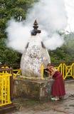 Буддийский монах на монастыре Pemayangtse, Сикким, Индия стоковое изображение