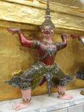 Буддийское украшение статуи на королевском дворце в Бангкоке Стоковая Фотография