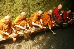 Буддийское шествие молитве Стоковые Фотографии RF