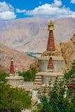 Буддийское Stupas в монастыре Hemis, Ladakh, северная Индия Стоковая Фотография