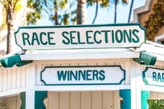 Будочка выборов гонки на беговой дорожке лошади Стоковое фото RF