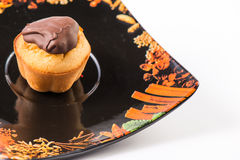 Булочка на черном блюде 02 Стоковое фото RF