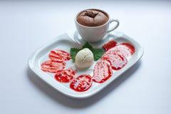 Булочка с мороженым: Стоковые Изображения RF