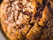 Булочка шоколада банана с отбензиниванием сахара карамельки Стоковые Фото