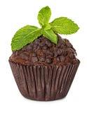 Булочка, шоколадный торт при мята изолированная на белизне Стоковое Изображение