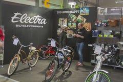 Будочка Electra на торговой выставке велосипеда стоковая фотография