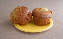 2 булочки завтрака перца лимона на плите Стоковое фото RF