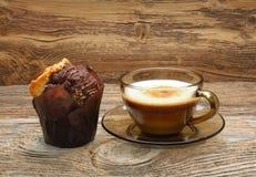 Булочки и чашка кофе шоколада Стоковая Фотография RF