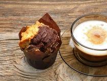 Булочки и чашка кофе шоколада Стоковые Изображения