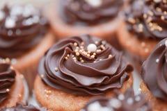 Булочки с сливк шоколада Стоковые Изображения RF