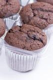 Булочки шоколада на таблице Стоковое Фото