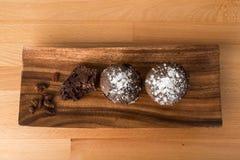 Булочки шоколада с изюминками Стоковые Изображения