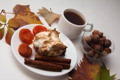 Булочки Eggnog с кофе и абрикосами Стоковое фото RF