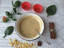 Булочки Kalanchoe, варя вегетарианскую еду с kalanchoe выходят стоковая фотография rf