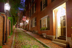 Булыжник Бостон холма маяка улицы жолудя стоковые фото
