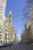 Бульвар в мае в Буэносе-Айрес. стоковое изображение rf