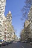 Бульвар в мае в Буэносе-Айрес стоковое изображение rf