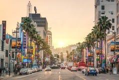 Бульвар на заходе солнца - Лос-Анджелес Голливуда - прогулка славы Стоковые Изображения