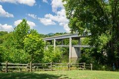 Бульвар Риджа †моста и дорожки James River «голубой Стоковое Фото