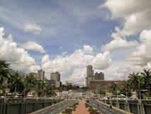 Бульвар Bolivar, Avenida Bolivar, Каракас, Венесуэла стоковые фотографии rf