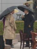 Бывший президент США Bill Clinton и прежний президент Джордж HW Bush на этапе во время грандиозной церемонии открытия центра J Стоковые Фотографии RF