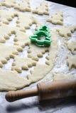 Быстрая печь печень рождества с формой помощи стоковое изображение rf