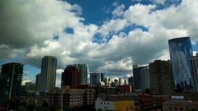 Быстрое Cloudscape в Чикаго, США Промежуток времени городского пейзажа landmarks видеоматериал