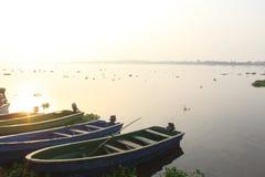 Быстроходные катера на badagry портовом районе, Лагосе, Нигерии стоковые изображения