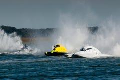 быстроходный катер гонки стоковое фото