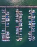 Быстроходный катер пристани Серия Марины Это обычно самый популярный t Стоковые Фотографии RF