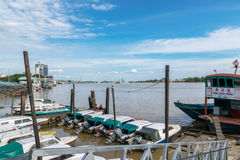 Быстроходный катер Марины на реке Rejang Стоковые Изображения RF