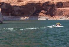 Быстроходный катер на озере Пауэлл Стоковое Изображение RF