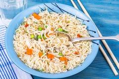 Быстро-приготовленное питание Китайские немедленные лапши Стоковое Изображение