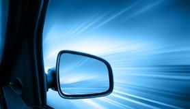 быстро проходить автомобиля стоковое изображение rf