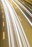 быстро проходить хайвея автомобилей Стоковая Фотография RF