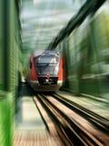 быстро проходя поезд Стоковые Изображения