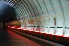 быстро проходя поезд Стоковая Фотография