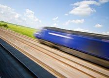 быстро проходя поезд Стоковое Фото