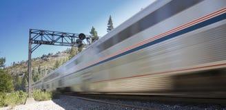 быстро проходя поезд Стоковая Фотография RF