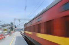 Быстро проходя скорый поезд Стоковое Фото