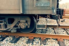 Быстрые бега поезда на следах Стоковые Изображения RF
