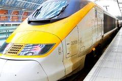 быстрый локомотивный поезд стоковое изображение