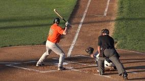 Бэттер бейсбола, ударяя, игроки, игра, спорт видеоматериал