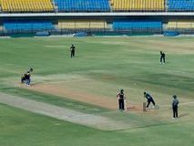 Бэттинг Yuvraj Singh в спичке T-20 на стадионе-Indore сверчка Holkar стоковые изображения rf
