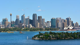 Благоустраивайте взгляд горизонта нового s финансового района Сиднея центрального Стоковая Фотография RF