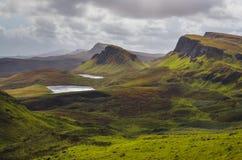 Благоустраивайте взгляд гор Quiraing на острове Skye, шотландских гористых местностях Стоковые Изображения