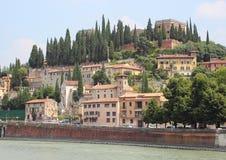 Благоустраивайте взгляд замка на реке в Вероне Стоковое фото RF